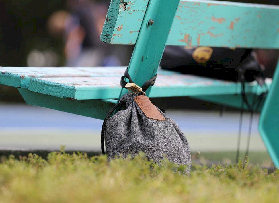 Reseprylar: Stöldsäker gympapåse håller dina grejer säkra på stranden