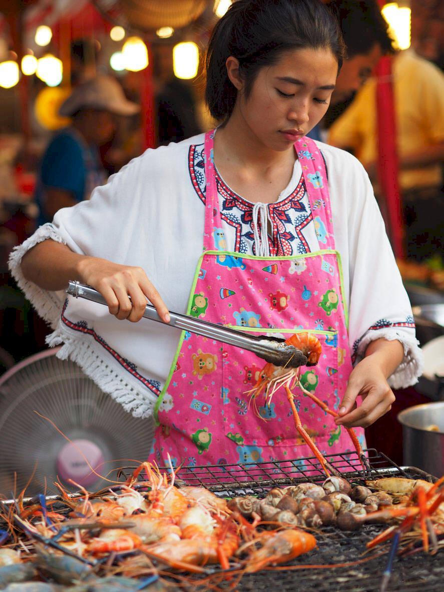 Thailändska myndigheter vill förbjuda gatumat i Bangkok