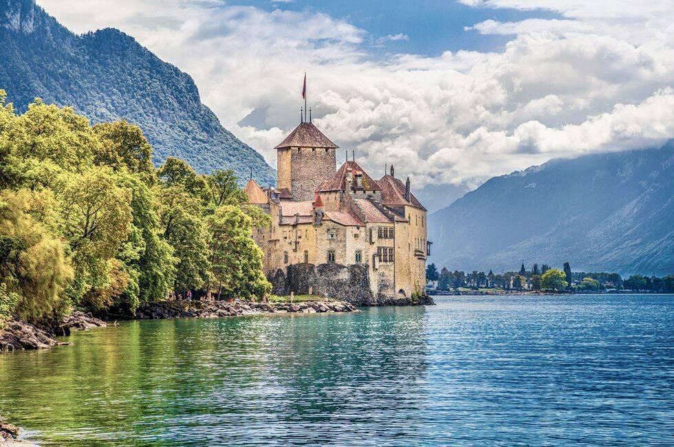 11 vykortsvackra slott i Europa att skriva upp på din bucket-list