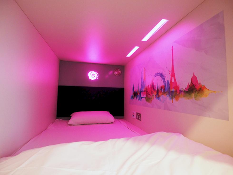 Nu har Londons första kapselhotell öppnat