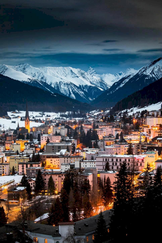 Schweiziska Davos – från kurort till skidmecka