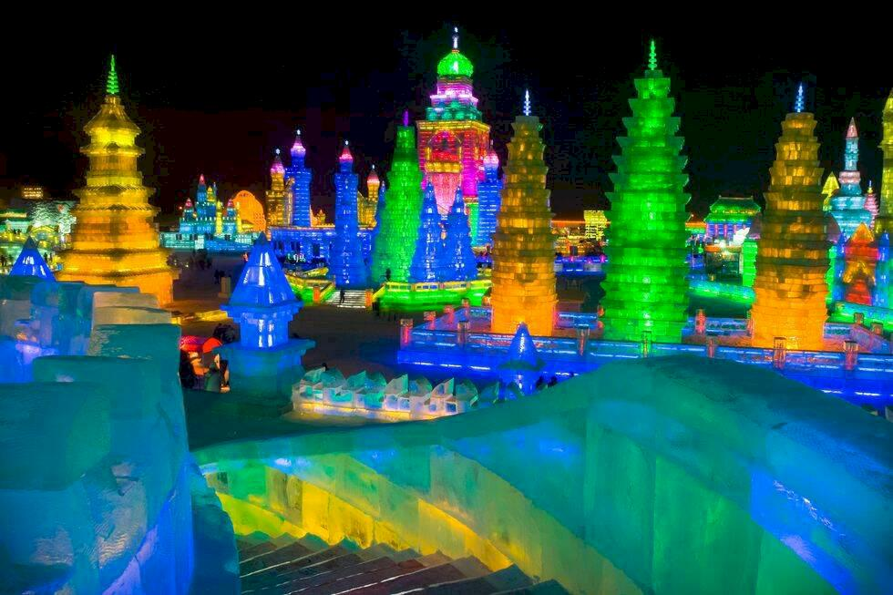 Världens största isfestival – öppnar snart