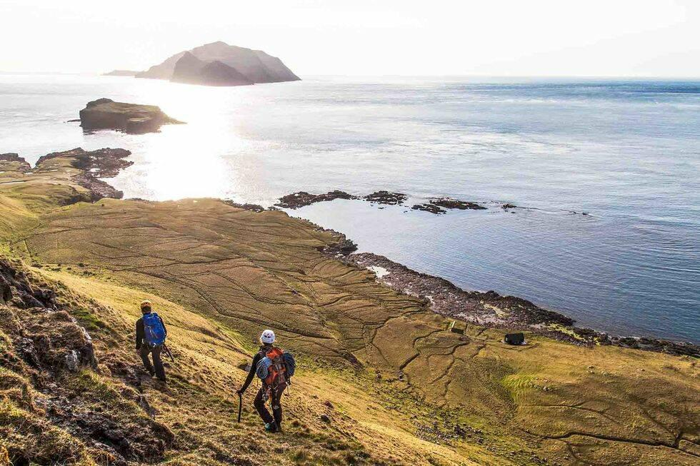 Färöarna stänger – ska storstädas