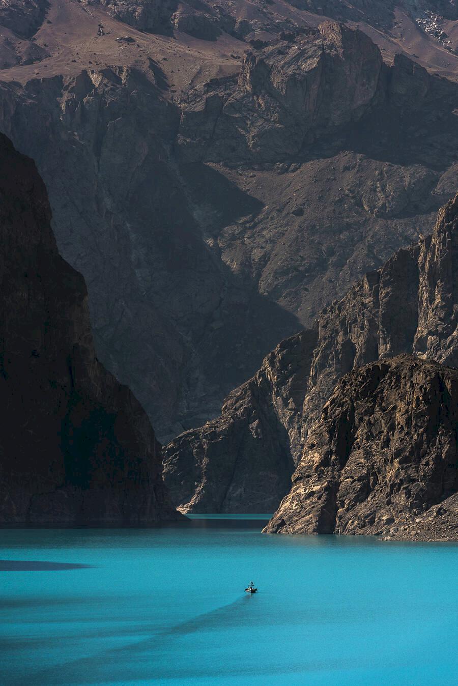 16 av världens mest spektakulära sjöar