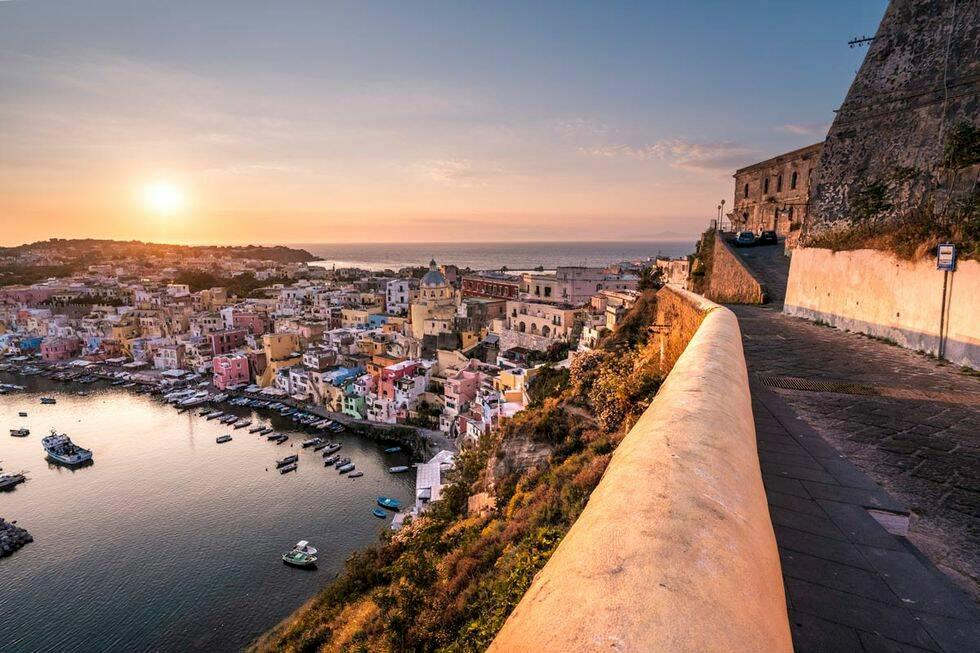 Spana in Italiens kulturhuvudstad 2022: pastellkaramellen Procida