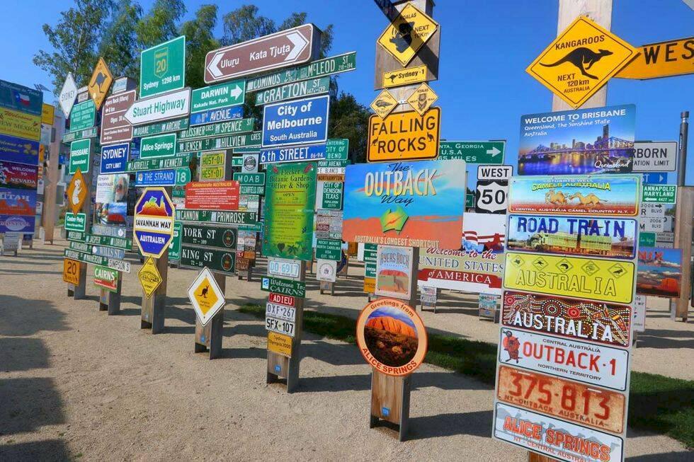 Nöjesparken som väcker reslust – med skyltar från hela världen