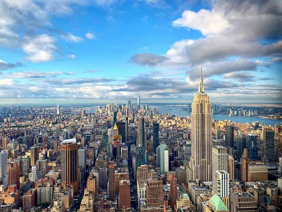 Upplev New York i ny glashiss – svävande 369 meter över marken