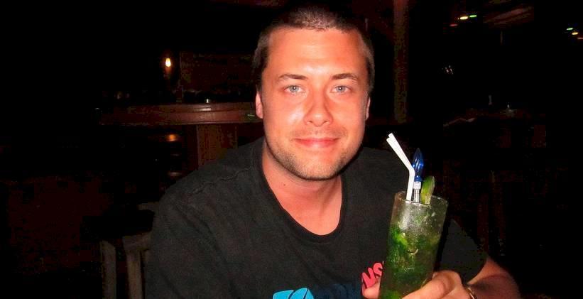 Svenske Johan, 28, dog av dålig sprit på populär bar i Sydostasien