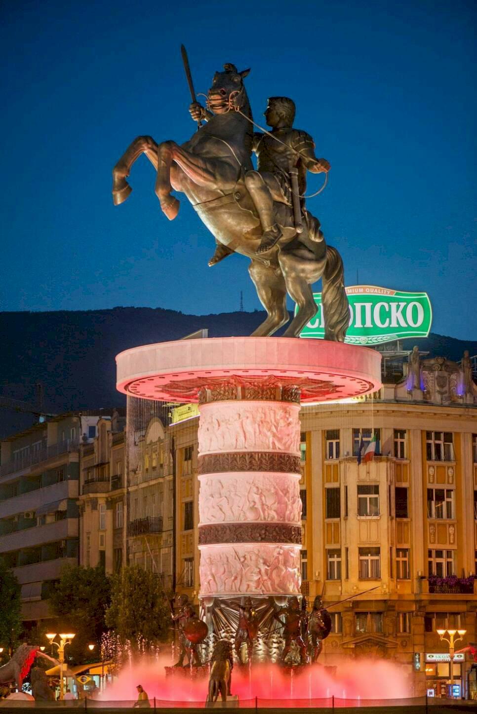Makedonien – Innan regnet faller