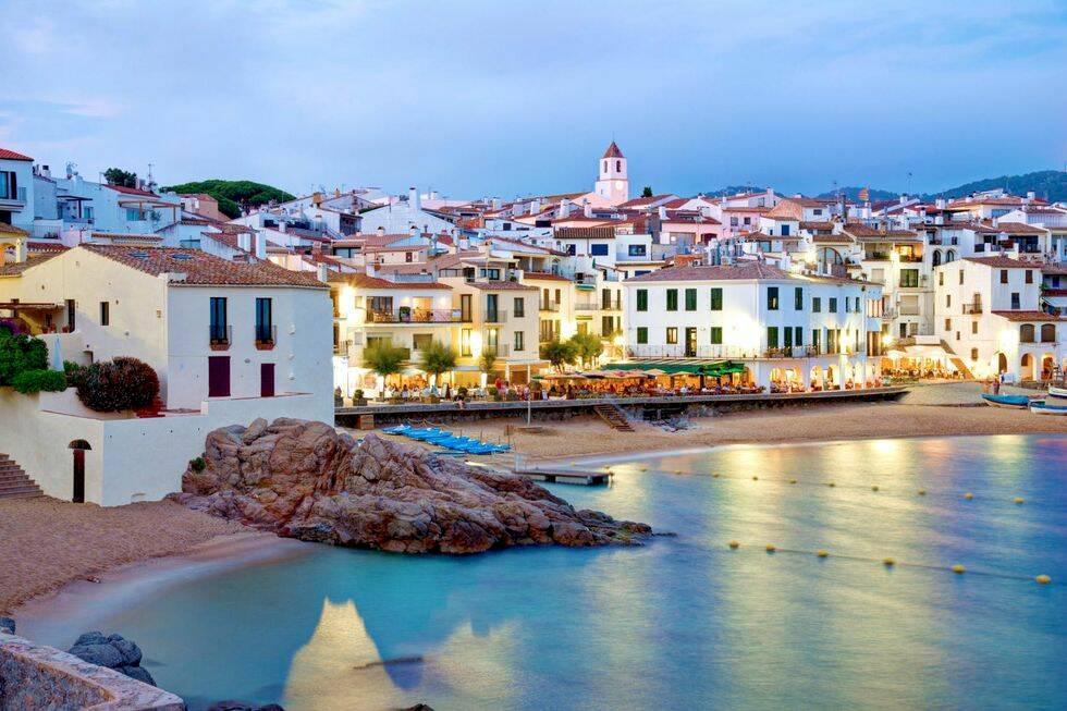 18 underbart charmiga byar i Spanien