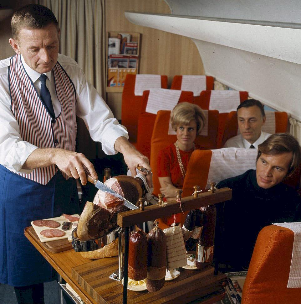 Se bilderna på SAS lyxflyg från förr