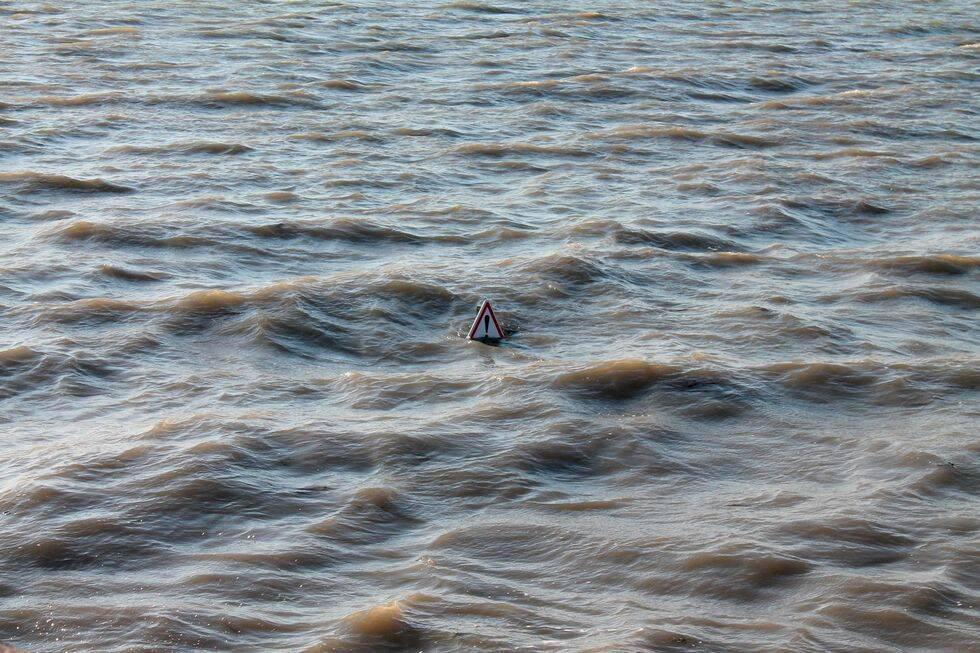 Galna vägen i Frankrike – försvinner under vatten två gånger om dagen