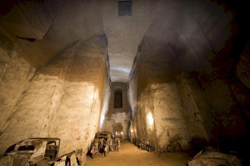 En bortglömd värld: Neapels dolda underjordiska tunnlar