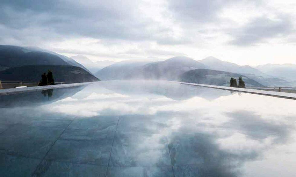 Spektakulära evighetspoolen i Alperna – fantastiska vyer men inget för höjdrädda