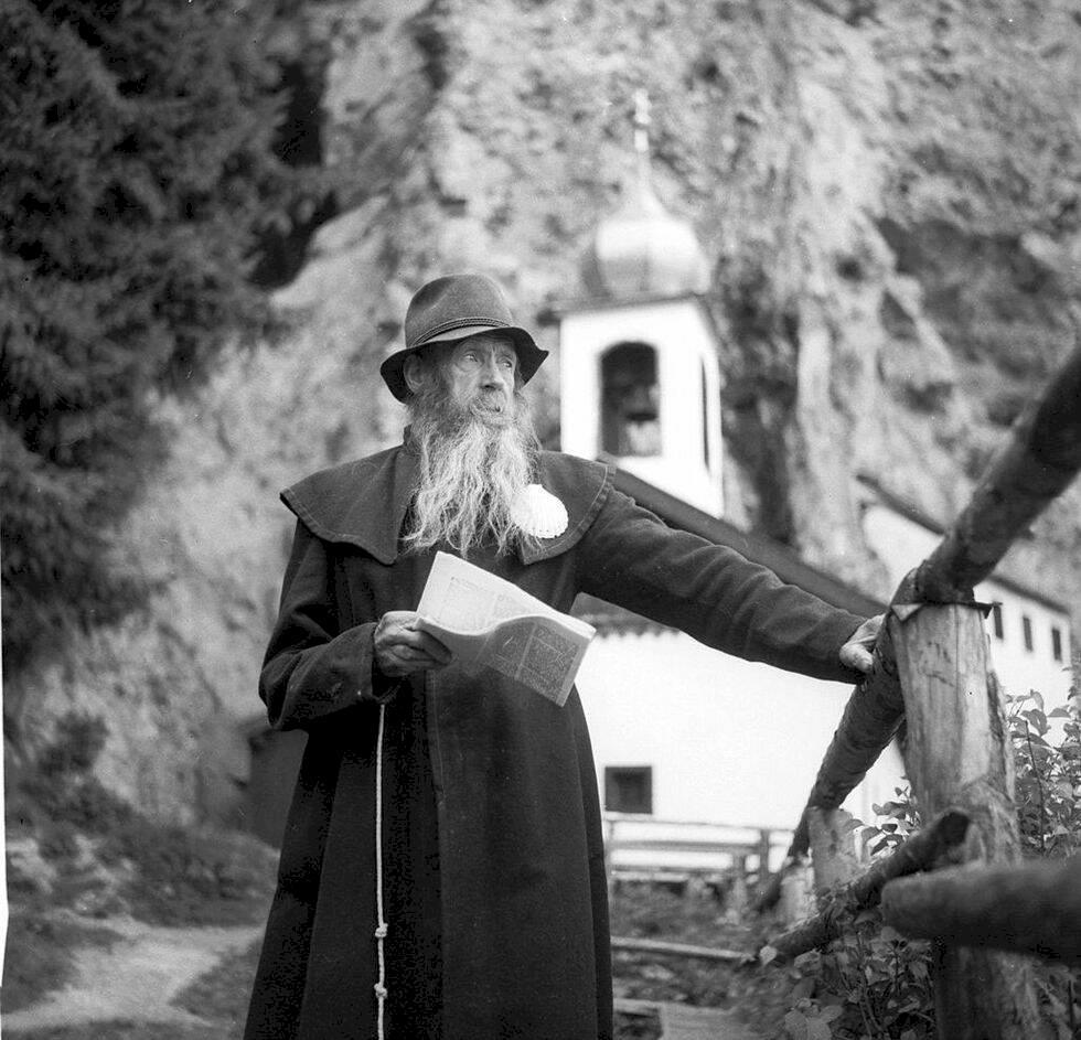 Den här österrikiska byn vill anlita en eremit på halvtid