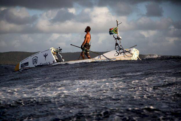 Han korsade Atlanten för välgörenhet – på paddelbräda