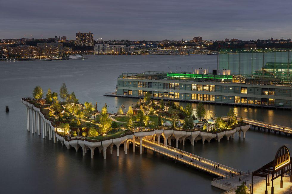 Nu kan du besöka den konstgjorda ön Little Island i New York